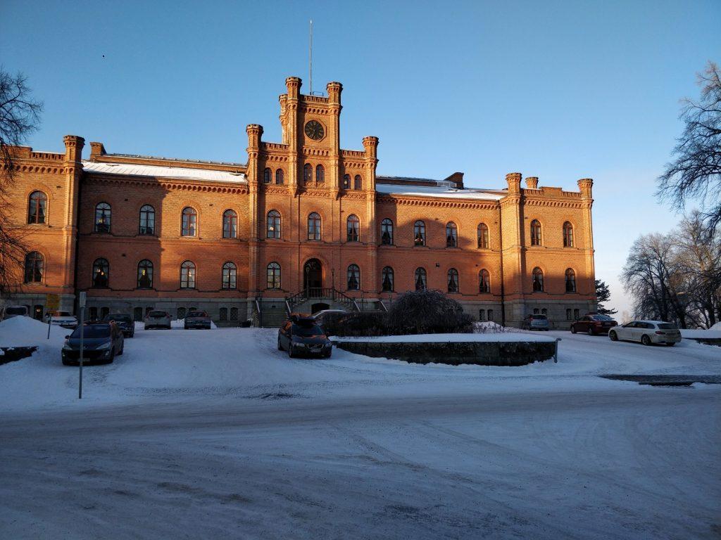 Vaasan lukiokoulutuksen opoTET-vierailut osa 2/3: OpoTET Vaasan hovioikeudessa ja Suomen eduskunnassa